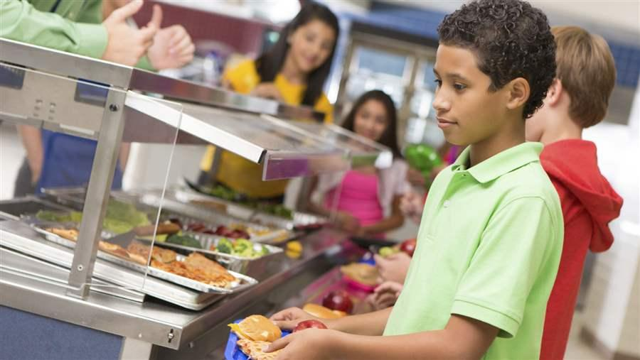 middle_school_lunch_line_cafeteria