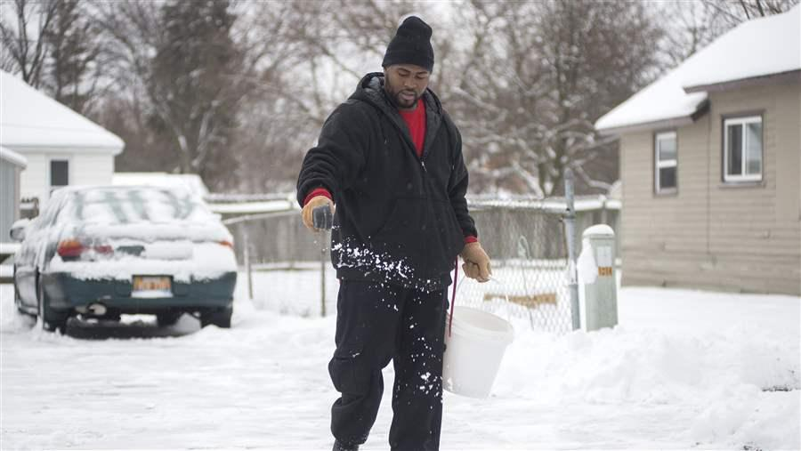 Dregs Of Winter In Madison >> Using Cheese Molasses Brine To Treat Roads With Less Salt The Pew