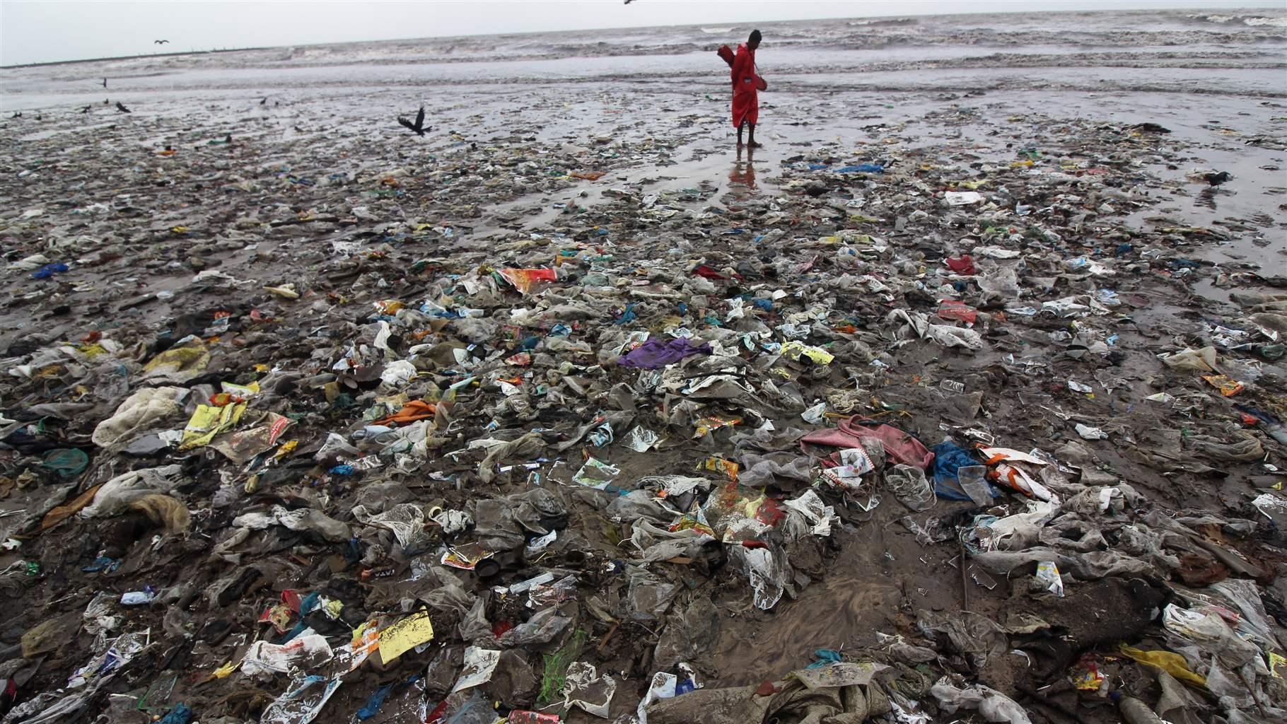 THE OCEAN PLASTICS PROBLEM | Thongchai Thailand