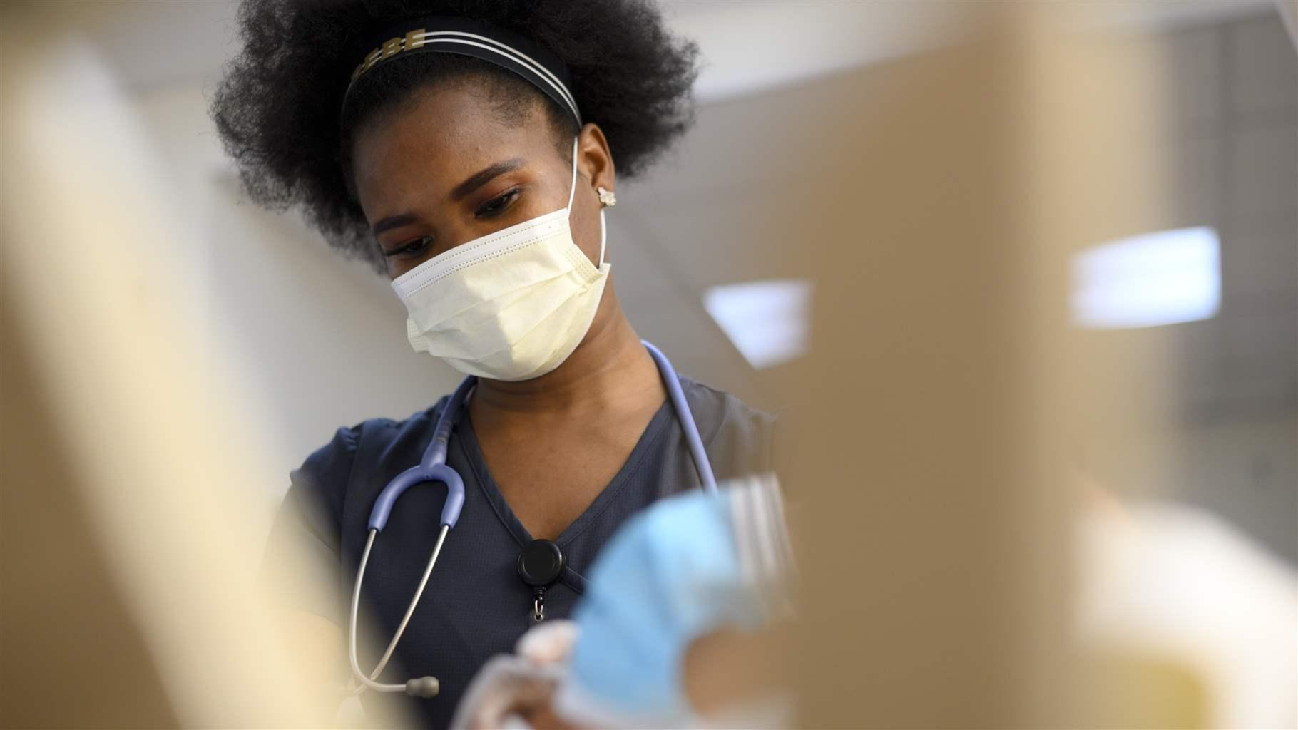 Nurse with facemask