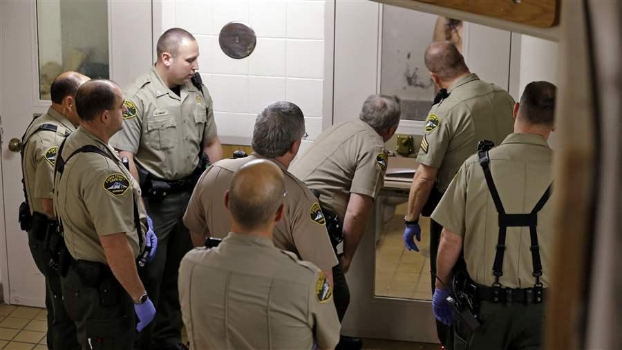 Corrections deputies