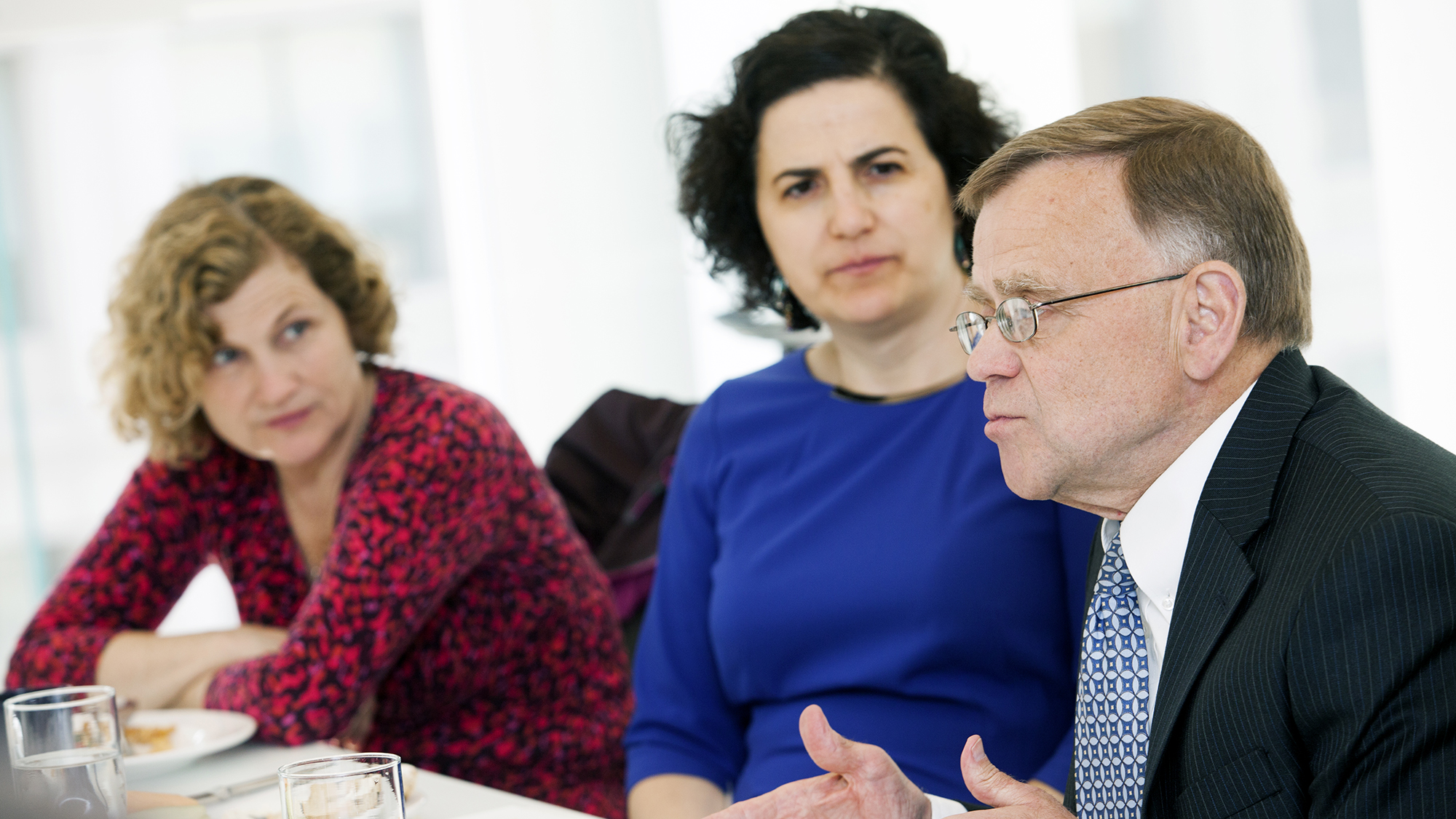 Mike Taylor, deputy commissioner of the U.S. Food and Drug Administration, meets with Susan Boyle Vavra (left), a microbiologist at the University of Chicago, and Everly Macario, who lost her 1½-year-old son to an antibiotic-resistant infection.